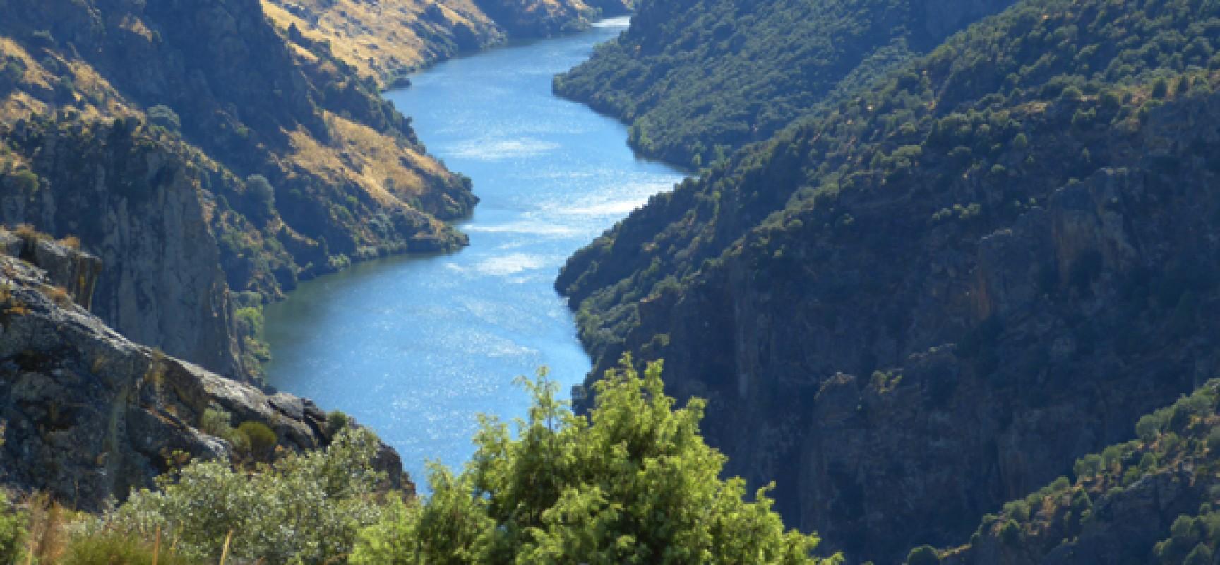 Vistas-de-los-Arribes-del-Duero-desde-Fariza-en-Zamora-1728x800_c